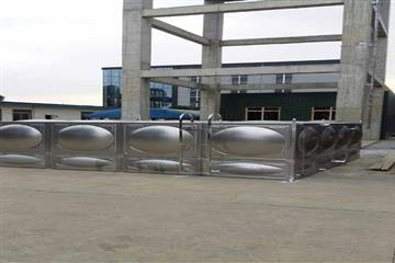 成都龙泉24立方304不锈钢消防热博登录施工现场