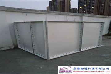 四川4.5立方玻璃钢热博登录安装现场