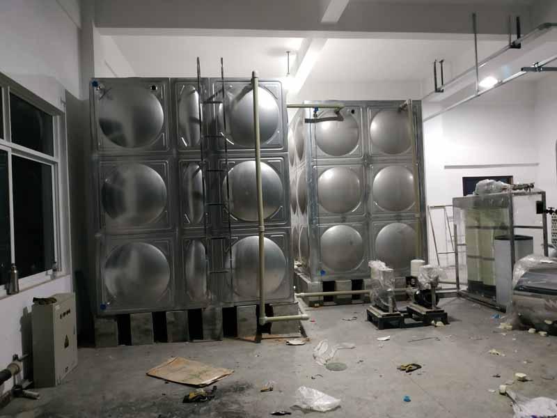龙泉2台不锈钢热博登录安装现场使用单位:美尔则道成都科技有限公司